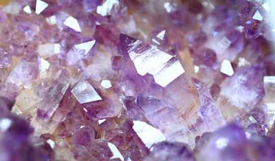 Amethsyt crystals